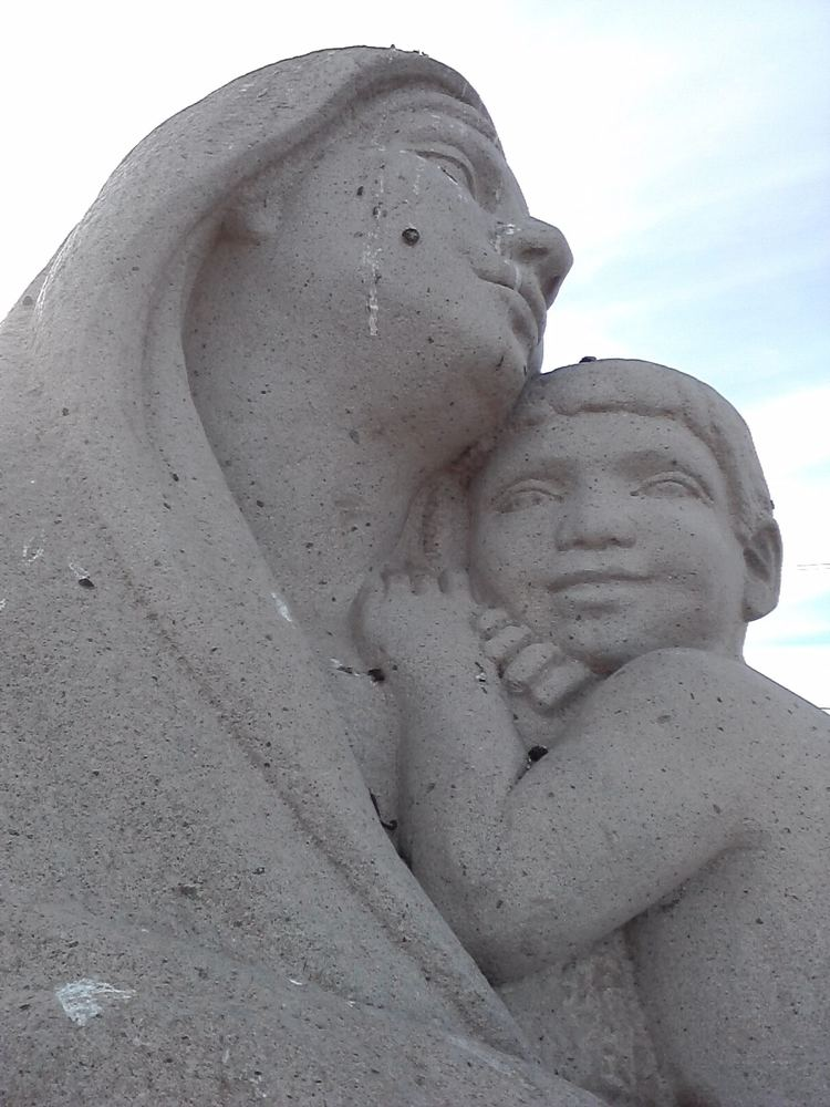 Ignacio Asúnsolo bitacoraoscar EL MONUMENTO A LA MADRE DE IGNACIO ASUNSOLO OBRA