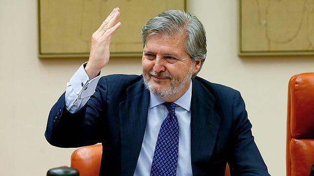 Íñigo Méndez de Vigo Mndez de Vigo anuncia ms dinero para becas y que recuperar las