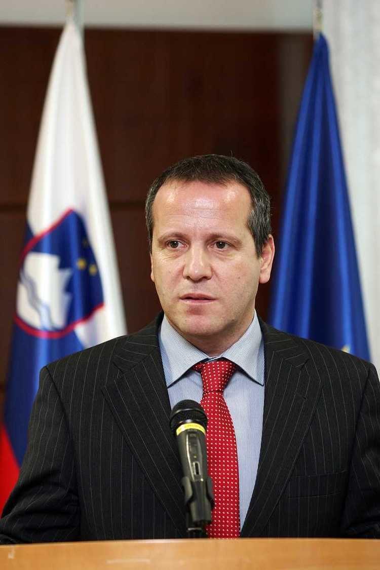 Igor Soltes httpsuploadwikimediaorgwikipediacommons99