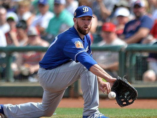 Ike Davis Dodgers considering turning Ike Davis into a pitcher
