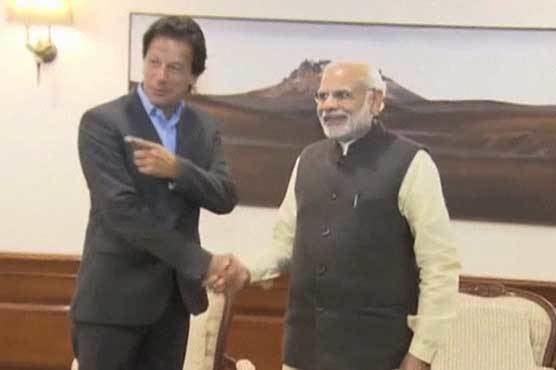 Imran Khan (Indian cricketer) Imran Khan meets Indian PM discusses bilateral cricket series