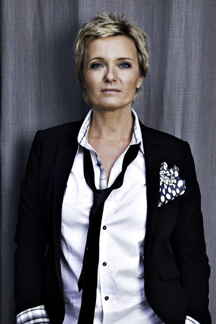 Ingrid Bjørnov Ny bok fra Ingrid Bjrnov Se Norges blomsterdal livet dden og