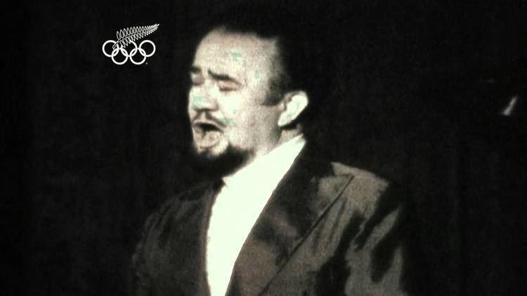 Inia Te Wiata Ngaire Galloway on Inia Te Wiata YouTube