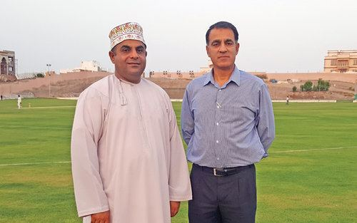 Local RoundUp Iqbal Sikander visits Al Hail School of Cricket