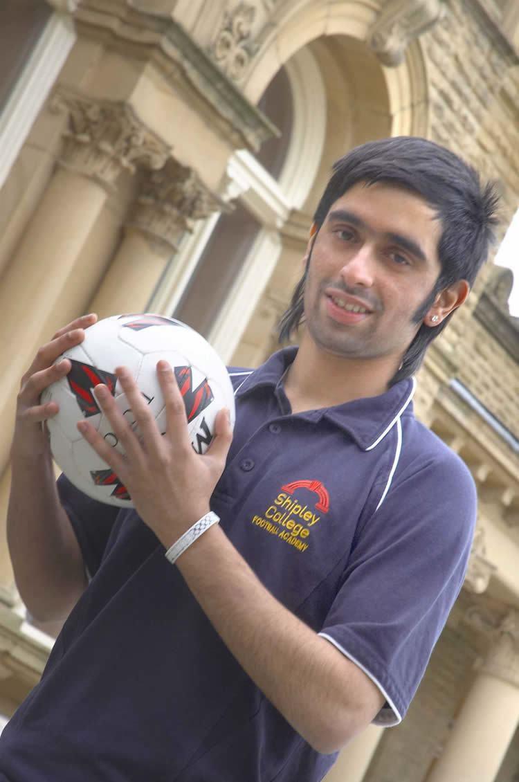 Irfan Khan (footballer) Bradfords Irfan Khan joins Pakistan football Camp for Olympic