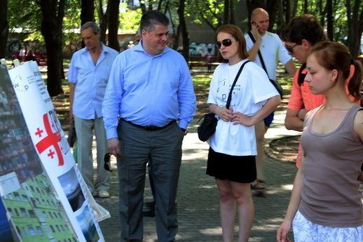 Irina Berezhna Photo exhibition quotGeorgia 2000 vs Georgia 2012quot in
