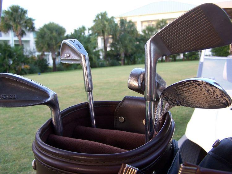 Iron (golf)