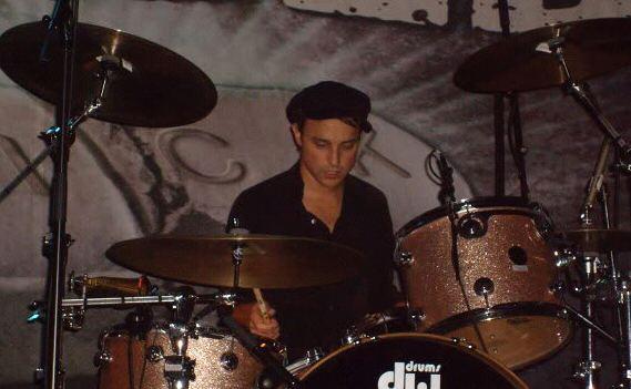 Isaac Carpenter (drummer) httpsuploadwikimediaorgwikipediacommonsee
