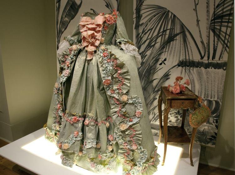 Isabelle de Borchgrave PrtPapier or Couture Paper The Exquisite Art of