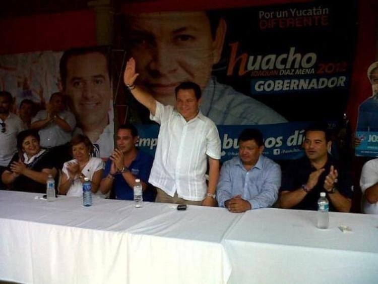 Ismael Peraza Valdez Ismael Peraza Valdez se suma a la campaa de Huacho Daz