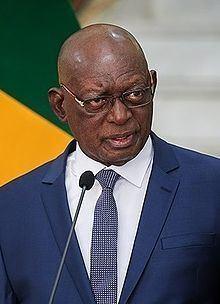 Issaka Sidibé httpsuploadwikimediaorgwikipediacommonsthu