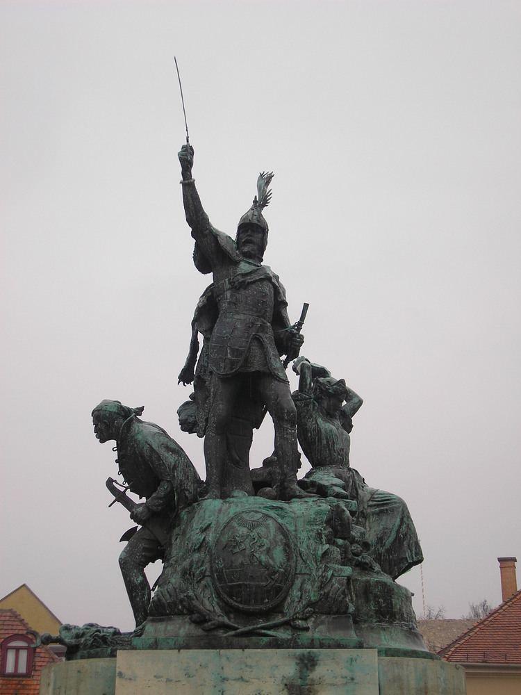 István Dobó FileDobo Istvan Statue01JPG Wikimedia Commons