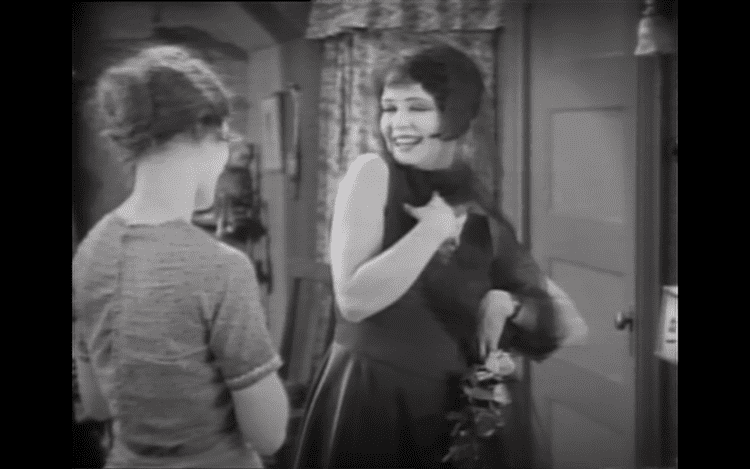 It (1927 film) Fashion In Film It 1927 The Native Transplant
