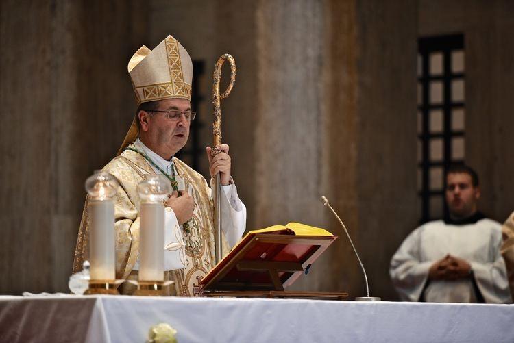 Ivan Šaško Mons Ivan ako Hrvatsko katoliko sveuilite