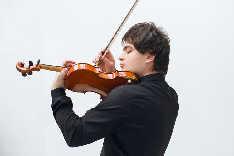 Ivan Pochekin Ivan Pochekin Violine Viola Komarova Artists Management