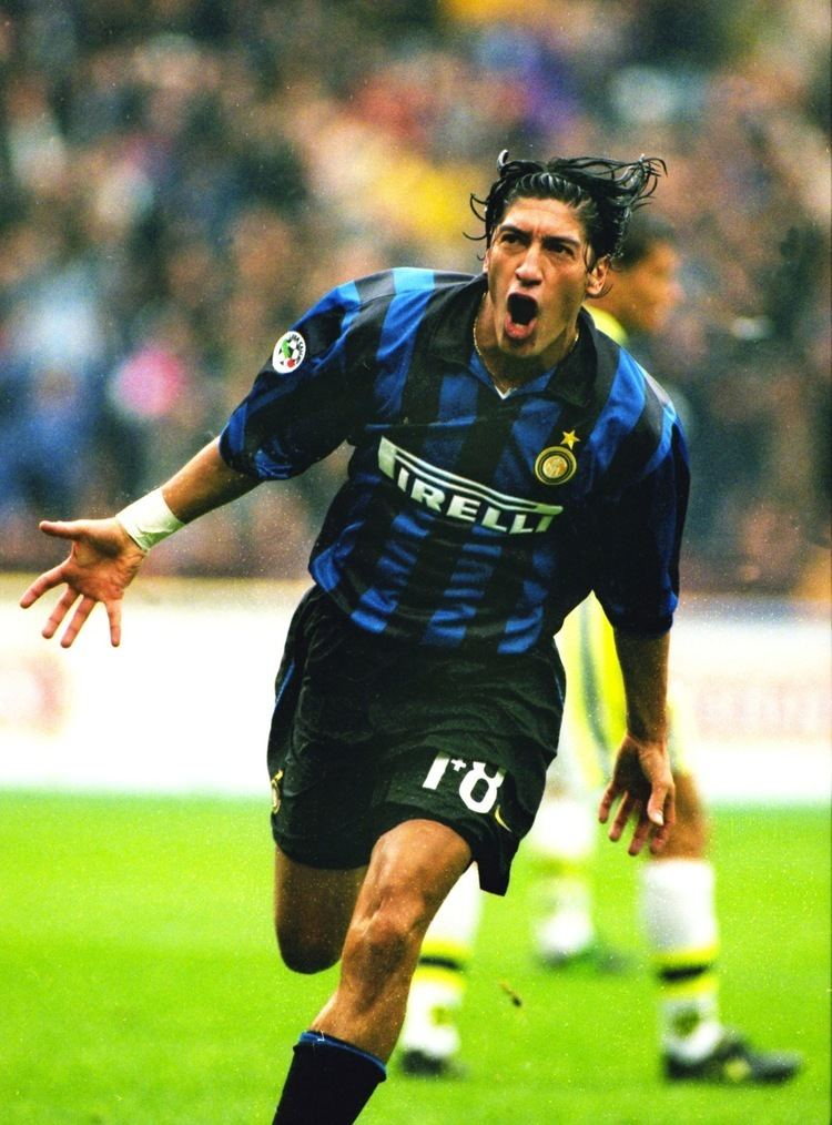 Iván Zamorano Ivan Zamorano Inter Milan Inter Milan Pinterest Milan