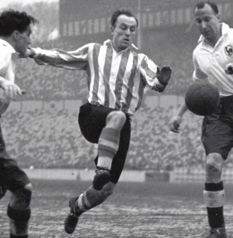 Ivor Broadis: England footballer dies aged 96 Ivor-broadis-e51ab8a2-f977-42c9-91ee-b2bb80ff1aa-resize-750