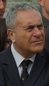 Ivor Crewe httpsuploadwikimediaorgwikipediacommonsthu