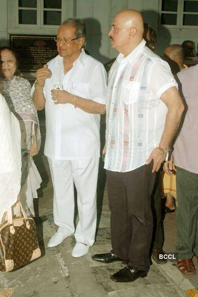 J. Om Prakash Rakesh Roshan JOm Prakash during Surinder Kapoor39s