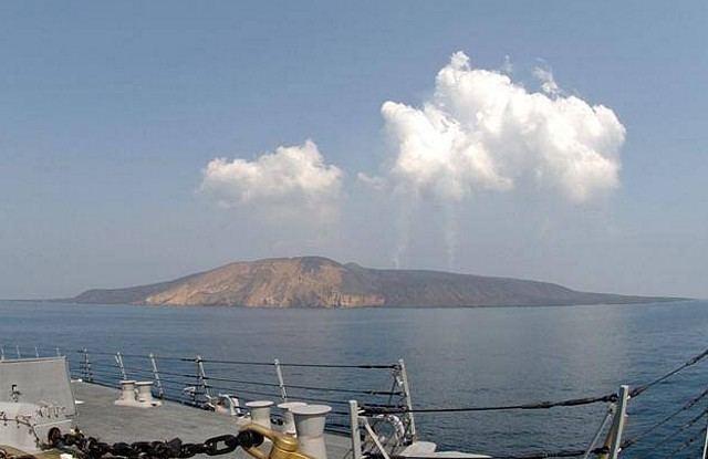 Jabal al-Tair Island volcanosieduPhotosfull119001jpg