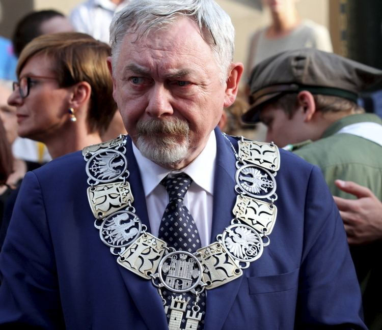Jacek Majchrowski Bogaty jak prezydent Krakowa Majchrowski ma 18 mln z na koncie