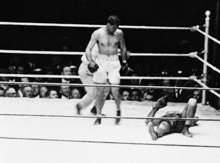 Jack Dempsey vs. Luis Ángel Firpo Jack Dempsey vs Luis Angel Firpo 1923 Photos The most historic