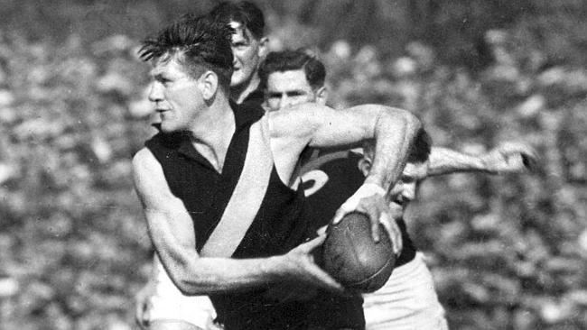 Jack Dyer Push to name a Richmond street after Tigers football