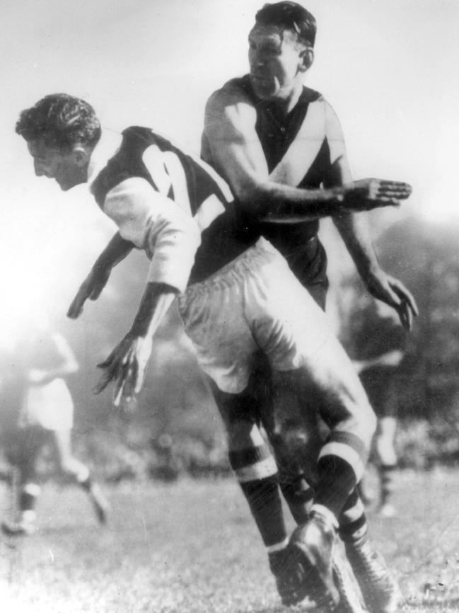 Jack Dyer Jack Dyer made No 17 jumper famous at Richmond in 317 VFL games