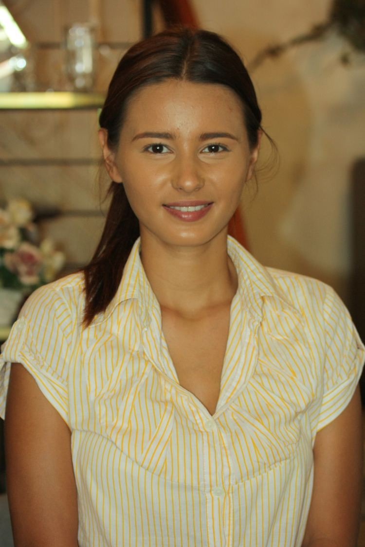 Gwen Zamora (b. 1990)