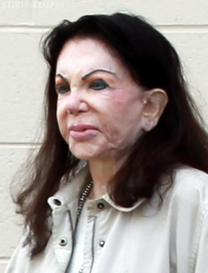 Jackie Stallone Jackie Stallone 92 cakes on heavy makeup for trip to