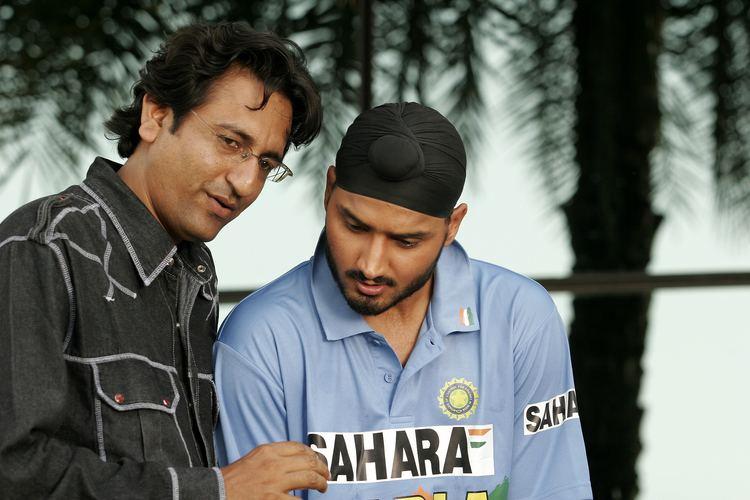 Jagmeet Bal FileJagmeet Bal with cricketer Harbhajjan SinghJPG Wikipedia