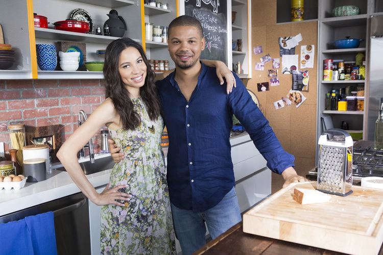 Jake Smollett MULTITALENTED SMOLLETT FAMILY SERVES UP FUN FOOD AND FAVORITE