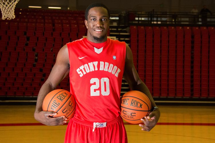 Jameel Warney Warney works to take his game and his team to new heights
