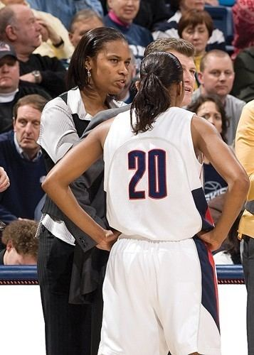Jamelle Elliott UC hires national champ to coach womens basketkball University of