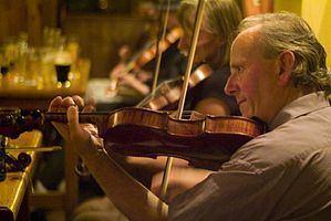 James Byrne (musician) httpsuploadwikimediaorgwikipediacommonsthu
