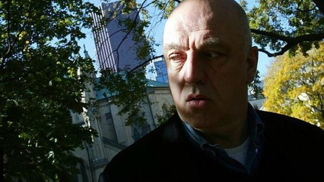 James Fenton Poet James Fenton wins Pen Pinter Prize BBC News