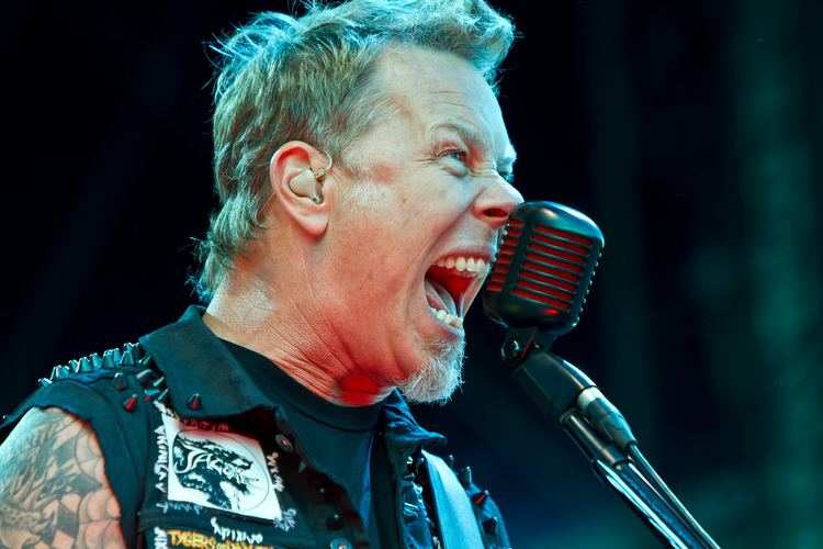 James Hatfield Metallica39s James Hetfield is Turning into Ted Nugent
