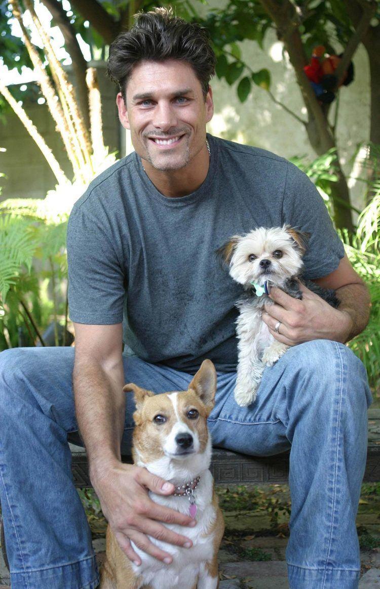 James Hyde (actor) James Hyde Animal Fair Wendy Diamond Pet lifestyle