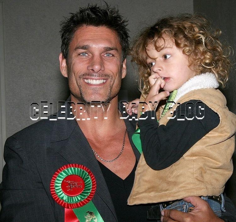 James Hyde (actor) James Hyde and son at the Hollywood Santa Parade Moms