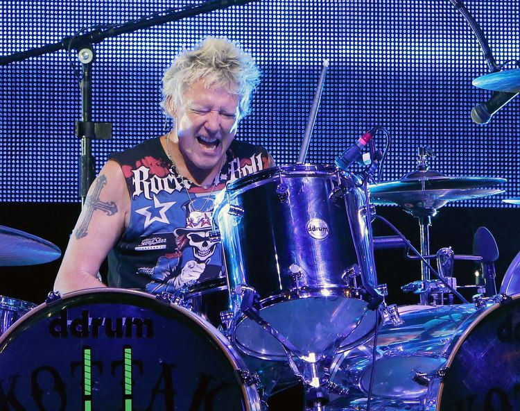 James Kottak James Kottak Rejoins Scorpions On The Road The Metalist
