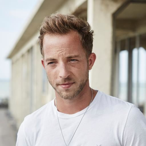 James Morrison (singer) httpspbstwimgcomprofileimages6339911853636