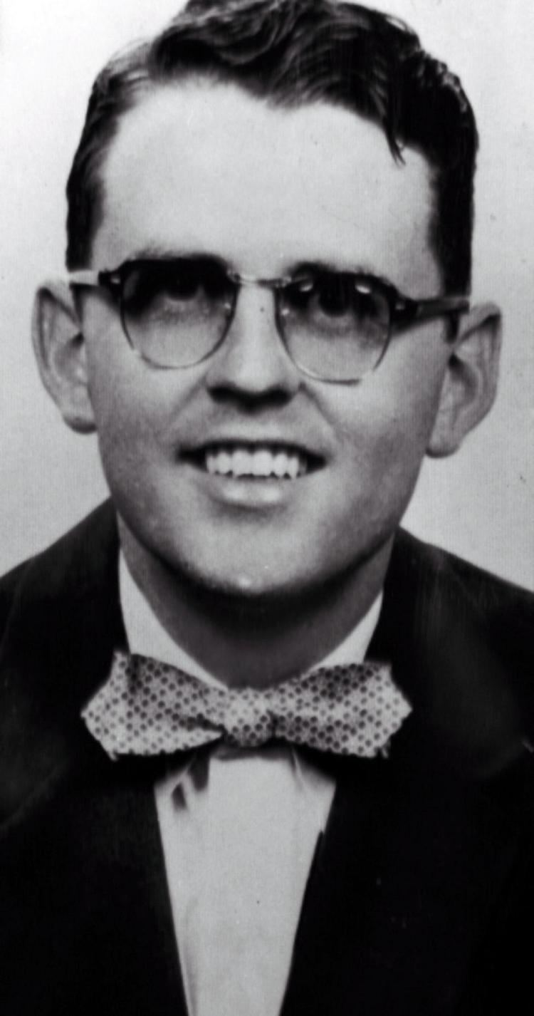 James Reeb James Reeb is murdered in response to the march March 9
