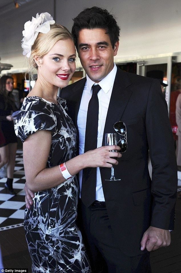 James Stewart (Australian actor) Jessica Marais and James Stewart speak about claims split was over