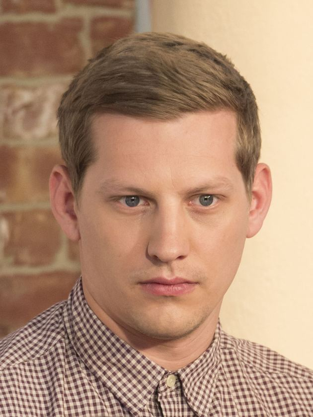 James Sutton (actor) Hollyoaks actor James Sutton quits joyless and narcissistic Twitter