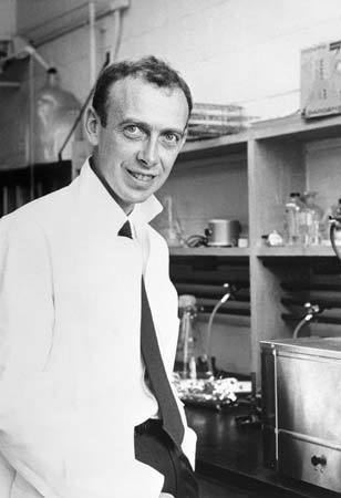 James Watson James Watson American geneticist and biophysicist Britannicacom