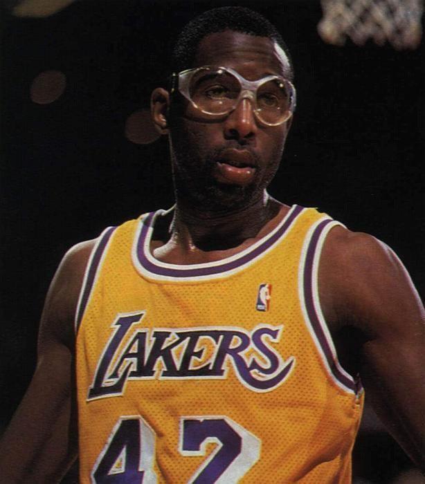 James Worthy Galera de fotos NBA de James Worthy UltimateNBAcom