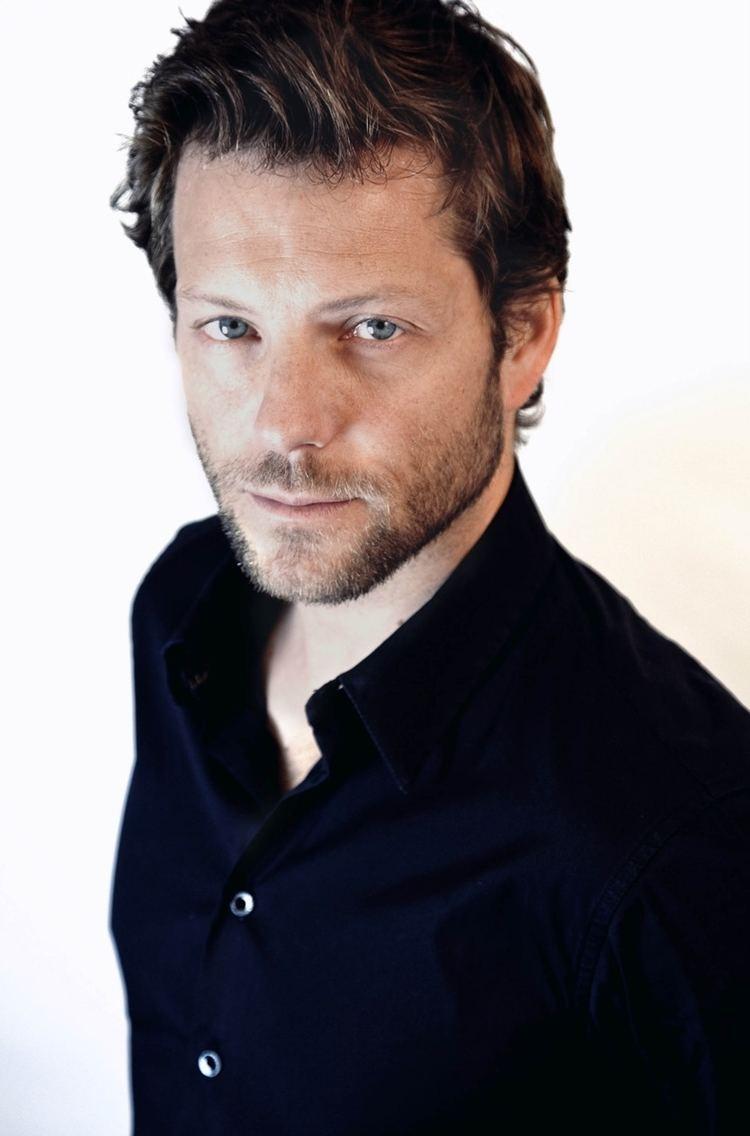 Jamie Bamber (born 1973 (dual British and American citizen)