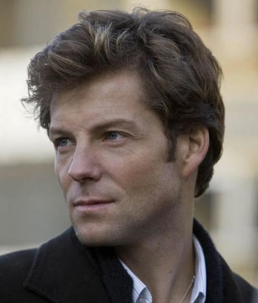 Jamie Bamber Jamie Bamber discovers acting is brain surgery on Monday