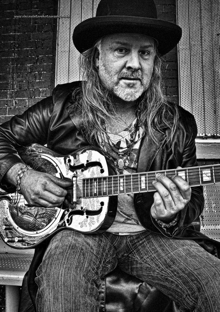 Jamie Crompton Jamie Crompton Plays Guitar Ziggy Stardust Flickr