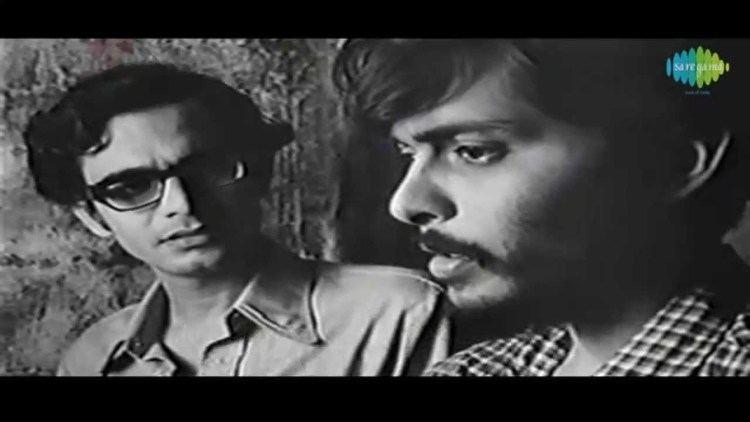 Jana Aranya Friends Conversation at Home Jana Aranya1976 Bengali Movie